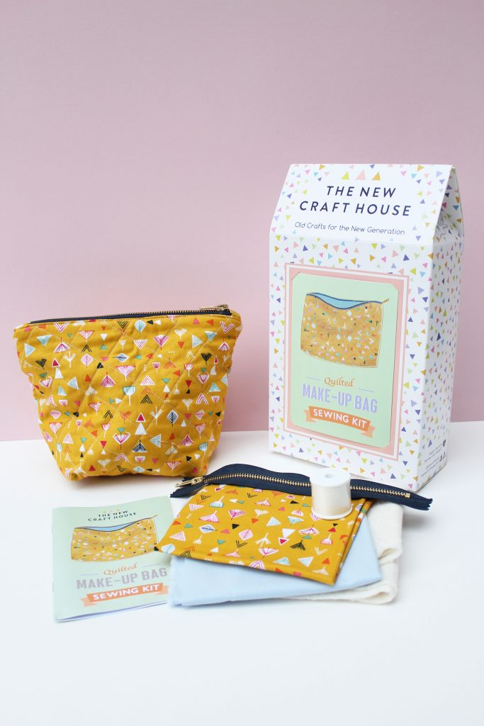 make-up-bag-sewing-kit
